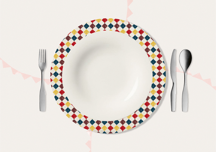 tablecloth and pottery plate